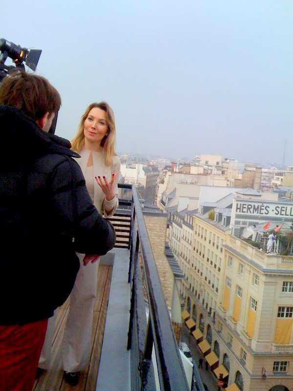Elisabeth Visoanska interviewed reporting team