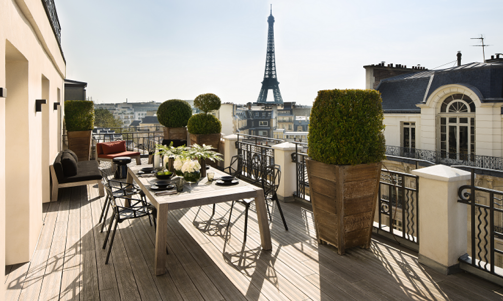 Best Marignan Paris terrace with the Eiffel tower view