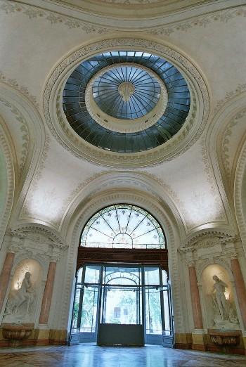 Intérieur du Palais des Lumières à Evian