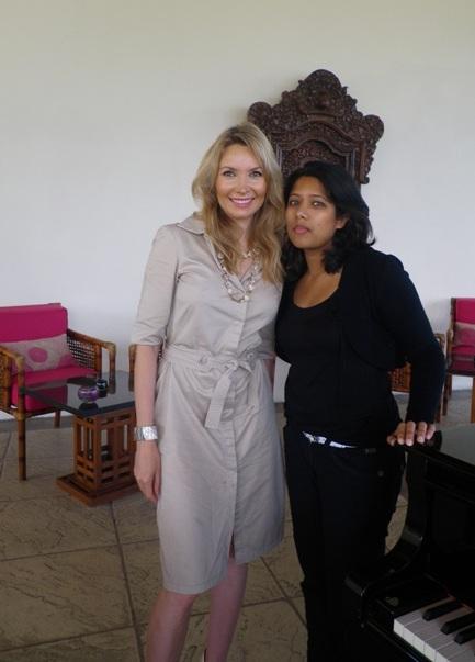Elisabeth Visoanska meeting with journalists